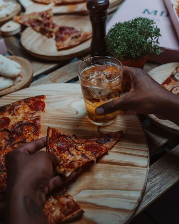 mino's pizza bar