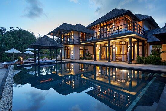 JA Manafaru - Three Bedroom Island Residence with Family Pool & Private Pool.