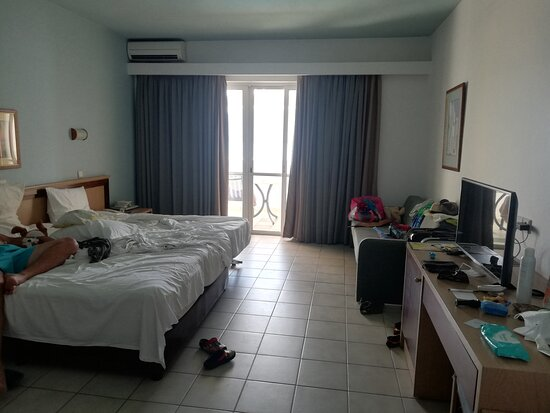 DOUBLE SUPERIOR SEAFRONT room (we got room 931)