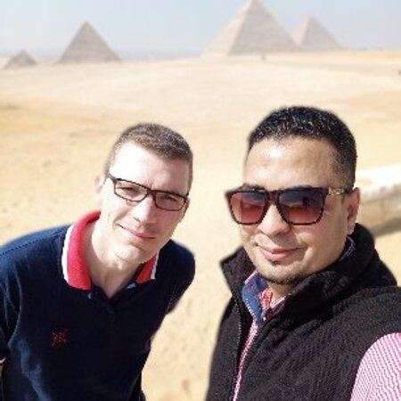 Gizé, Egito: see egyptian pramides with me  iam egyptian tourguide ready to help you see egypt like egyptian