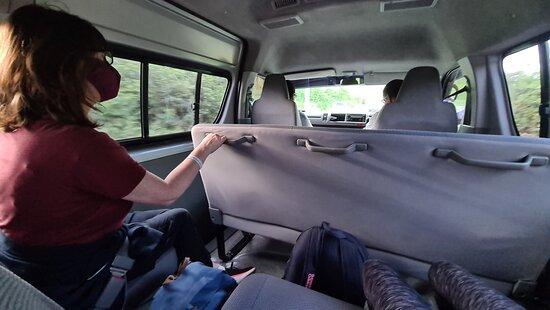 """Trasferimento di sola andata di lusso privato: aeroporto internazionale di Hewanorra: """"Luxury SUV"""" from Island Taxi, St Lucia"""