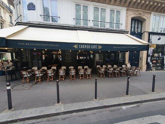 París, Francia: Corner Café