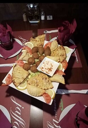 Tripadvisor - صور مميزة لـ مطعم يافا حلال براغ - براج صور فوتوغرافية
