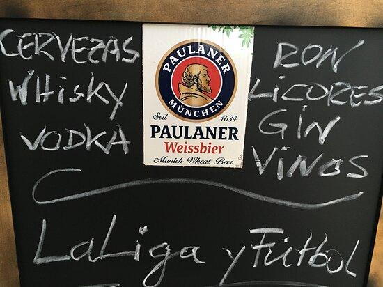 Fußball lecker Bier und essen