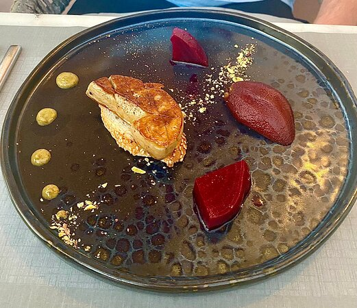 This was one of the best meals we have had in a long time. Second time dining here and the staff are always friendly and extremely accommodating. We got a selection of starters, mains and desserts between the 4 of us. As well as a local red wine, white wine and a selection of dessert wines. Could not fault a single thing during this meal. 10/10. Michelin star worthy.