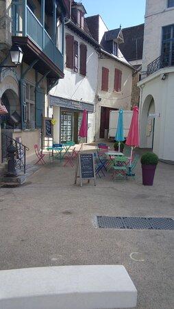 Plaza de Salies-de-Bearn