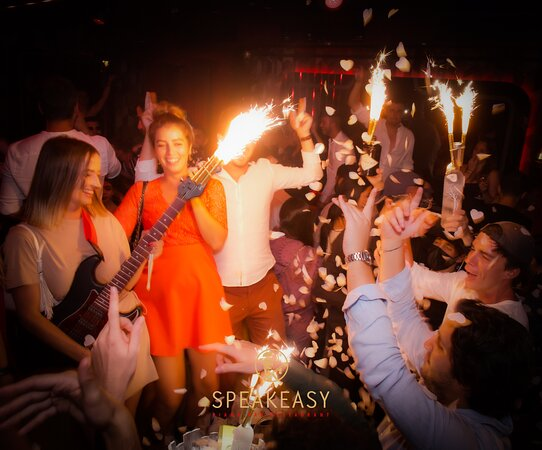 e Speakeasy  Restaurant Piano Club • Live Music & Clubbing all Night Long • Best Place in Town • Cosy, Chic & Elegant