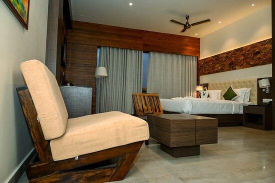 Premium Suit Room