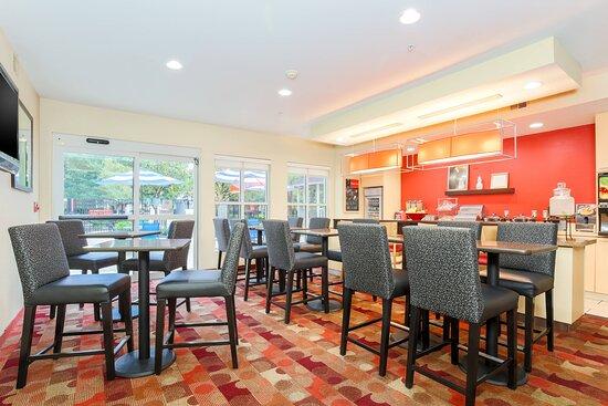 Breakfast - Dining Area