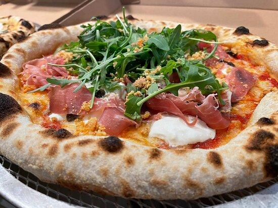 Perwez, Belgique : Pizza burrata