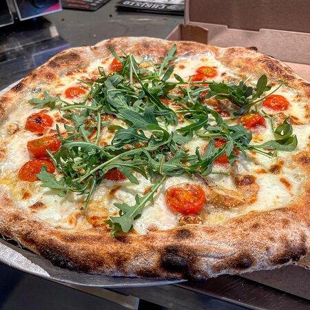 Perwez, Belgique : Pizza 4 fromages d'été
