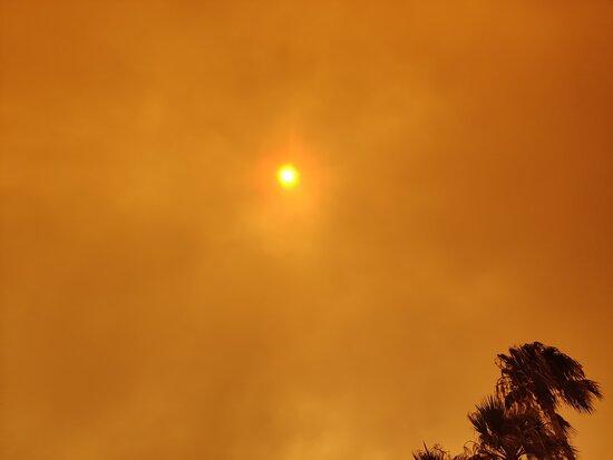 SideStar Elagance widok nieba w czasie pożaru
