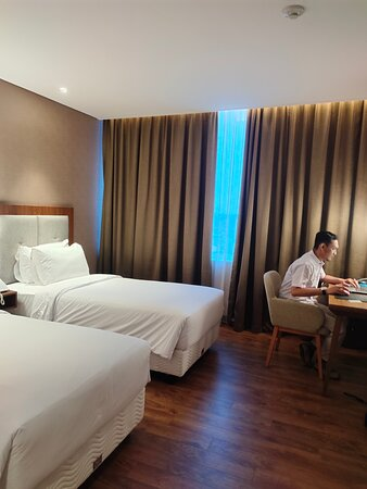 Staycation Yang Menyenangkan di Avenzel Hotel