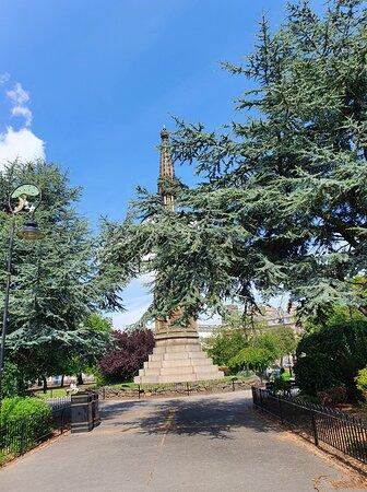 Queen Victoria Monument