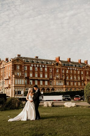 Perfect Wedding Thanks to The Queens Hotel