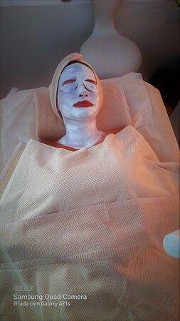 Renovar e hidratar...pele cuidada e saudável!  Obtenha aconselhamento profissional gratuito... Consulte-nos através do 966366690 ou 913895112.  #DaySpaMontijo  #skincare  #spafacial #cosmetica  #cuidadoscomapele