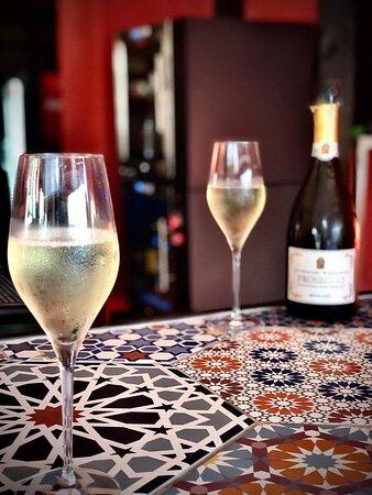 Vinaria Kiti : our exclusive Rizzardi Prosecco DOC Extra Dry - Cheers!