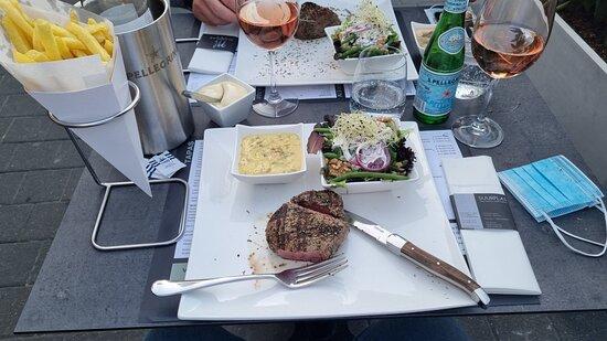 Steak nadat men de peper van het bord blaast