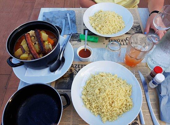 Soirée couscous au bar restaurant du camping.