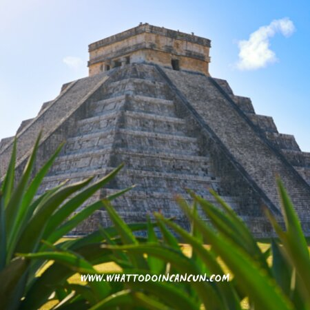 Chichen Itza, المكسيك: One of the seven wonders of the modern world. 🧡 Get your Ultimate Chichen-Itzá experience! You will not regret😉 