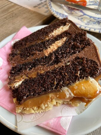 Snickers cake