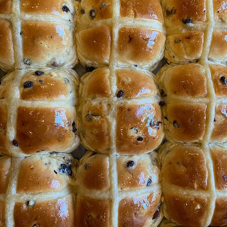 Packed full of juicy fruit and a unique spice blend, our hot cross buns are amazing served toasted with butter, or you can pop them in the freezer and enjoy later.