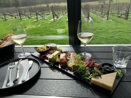 Full Day Tamar Valley Wine Tour: Cabbage Tree Hill - gourmet platter