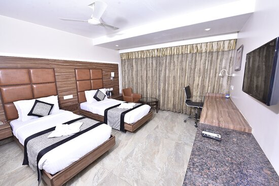 Deluxe (Twin Bed) Room