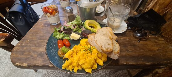 Delicious breakfast in a nice and friendly atmosphere!