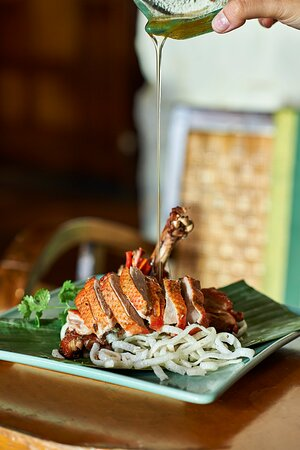 Craving some of our signature Thai creations? Enjoy your favourites at BirdCage for dinner tonight!