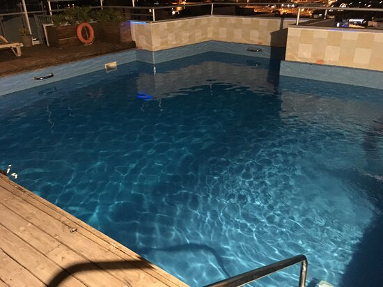 la soit distante merveilleuse piscine