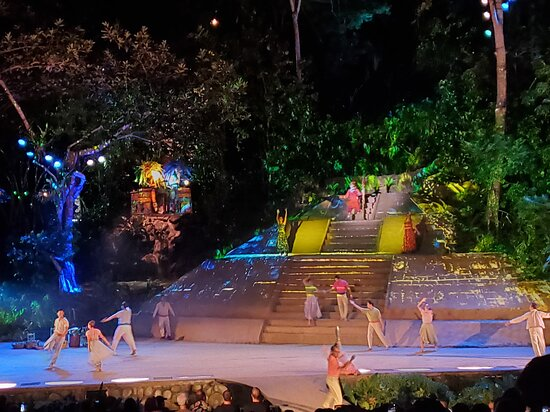 Puerto Vallarta Cruise and Candlelight Dinner Show: show