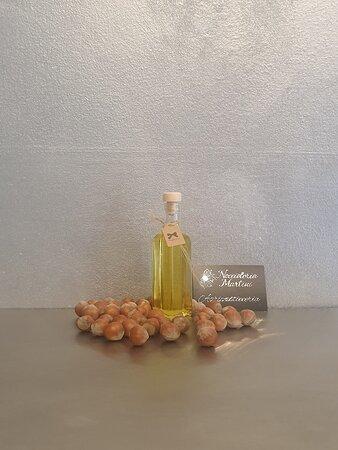 Dragées,  baci di dama, uova di Pasqua, gianduiotti,olio di nocciole Igp Piemonte