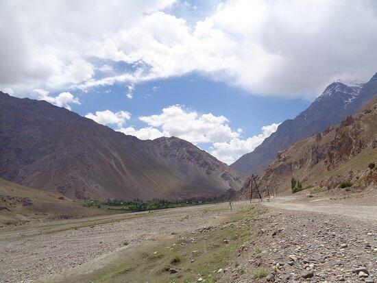 Tayikistán: Bezkresna przestrzeń i otaczające zewsząd góry na prawdę się nie nudzą .