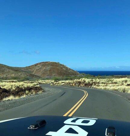 Kailua-Kona, Havaí: aloha@hawaiiliftedjeeprentals.com