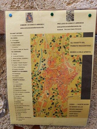 Cosio di Arroscia, إيطاليا: Museo a Cielo Aperto-gli oggetti del passato raccontano. Cosio D'Arroscia