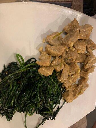 Patate arrosto Bocconcini di vitello con verdure ripassate Scaloppine al marsala