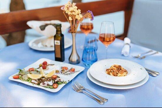 Fisch antipasto &pasta con ricci di mare!