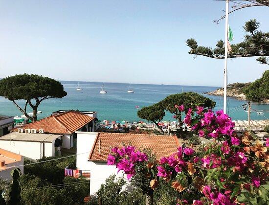 Cavoli, Italy: Vista dall'appartamento Rosmarino