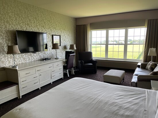 Grand King Bedroom