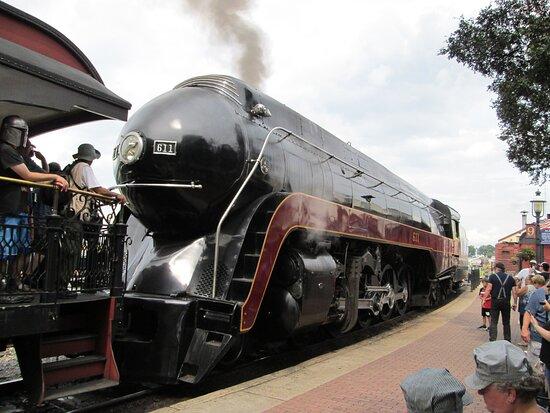 N&W steamer 611