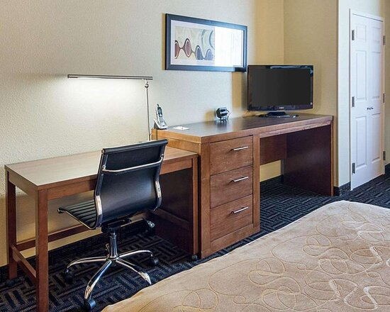 Spacious suite with work area