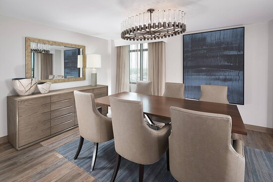 Vice Presidential Suite - Dining Area