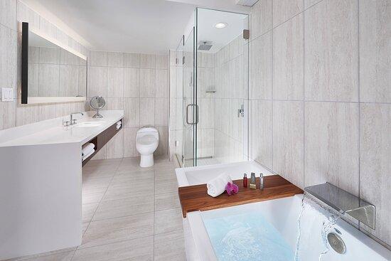 Vice Presidential Suite - Luxury Bathroom