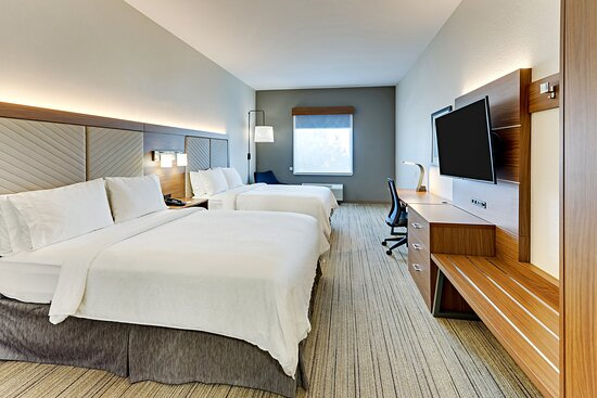 Two Queen Bed Accessible Room with Roll-In Shower