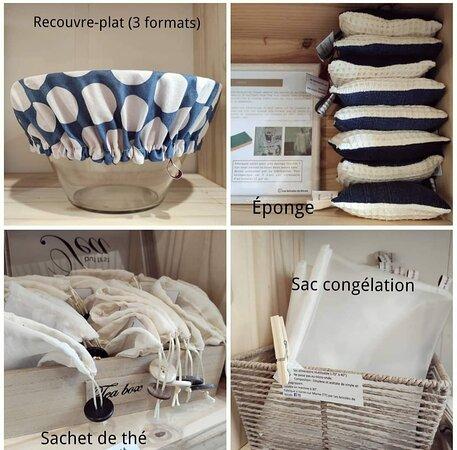 Un échantillon des articles textiles zéro déchet confectionnés sur place (la moitié de la boutique est dédiée au zéro déchet).