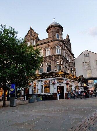 Thurston Hall Pub