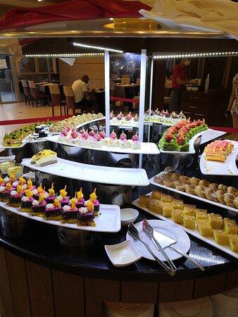 Kestel, Turquie : сладкий стол