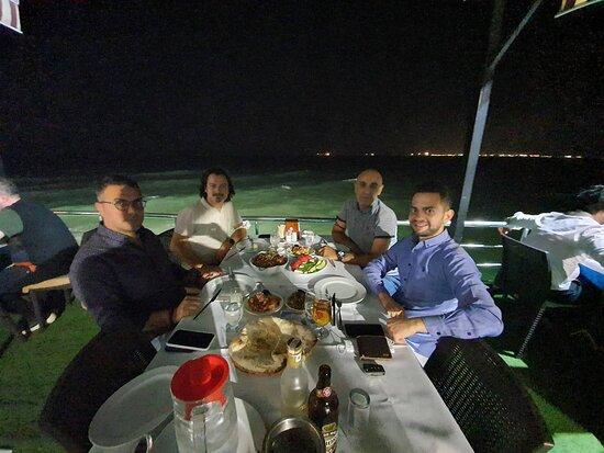 Sahil Restaurant Deniz Kenarı açık mekan