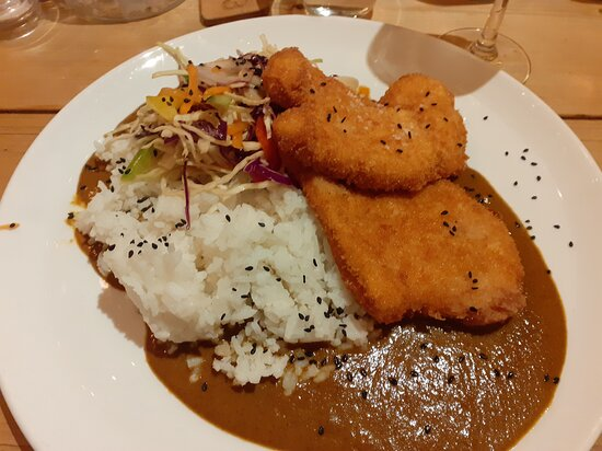 Chicken Katsu Curry - flattened chicken detracted from an otherwise very good curry.  The coconut and jasmin rice was only very subtly flavoured and didn't survive bing mixed with the Katsu curry.